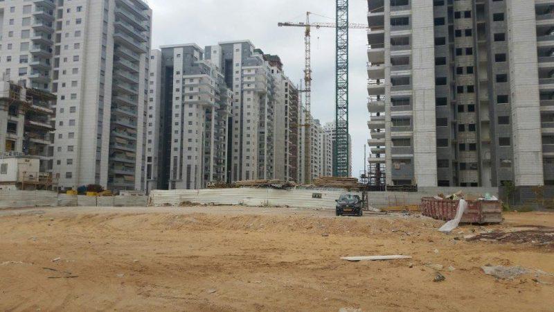 בנייה בחולון