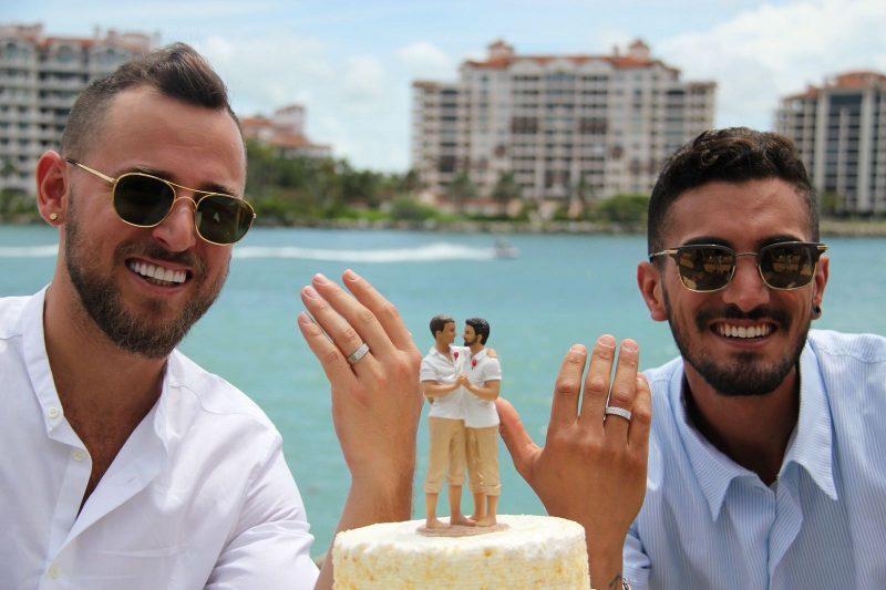 """שפע (משמאל) ובן זוגו בחתונתם במיאמי. """"הבאתי אותו לחולון"""""""