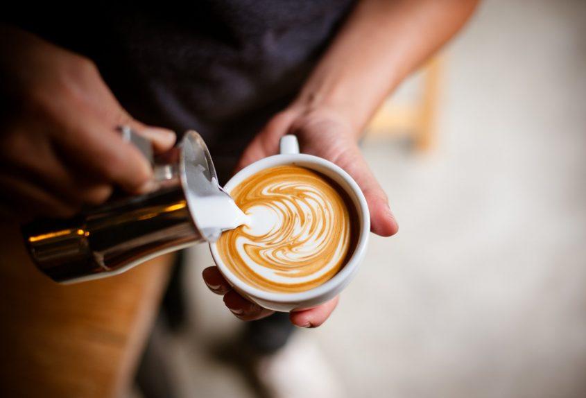 """משאל """"הקפה של חולון"""" (מאגר תמונות: Shutterstock)"""