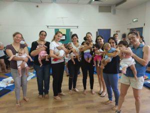 """אמהות ותינוקות מקבוצת """"חופשת לידה, חולון והסביבה"""""""