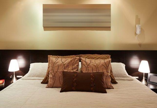 חדר להשכרה, מיטה ולפעמים גם ג'קוזי. אילוסטרציה: שאטרסטוק
