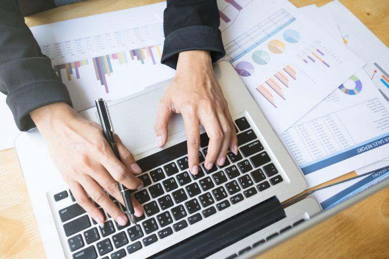 יועצי מס בחולון. תמונה ממאגר Shutterstock