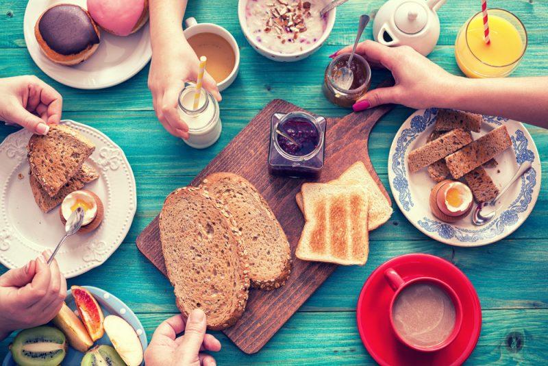 אין כמו ארוחה מפנקת על הבוקר. צילום: K2 PhotoStudio