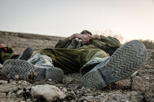 חייל בודד אילוסטרציה
