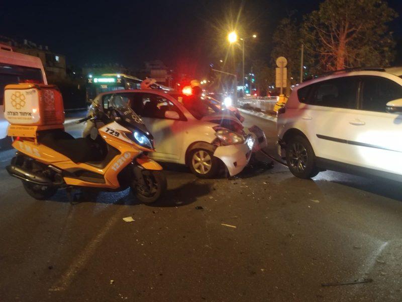 תאונת דרכים משולשת