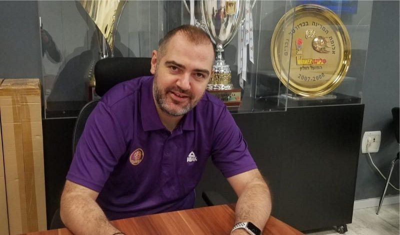 מאמן הפועל חולון סטפאנוס דדאס