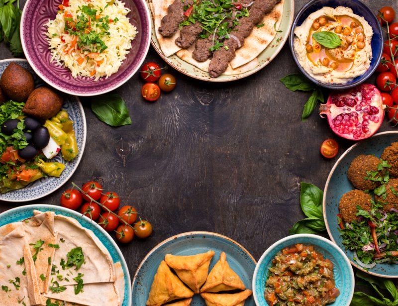 """אוכל מוכן לשבת. צילום ממאגר """"Shutterstock"""". צילום: Elena Eryomenko"""