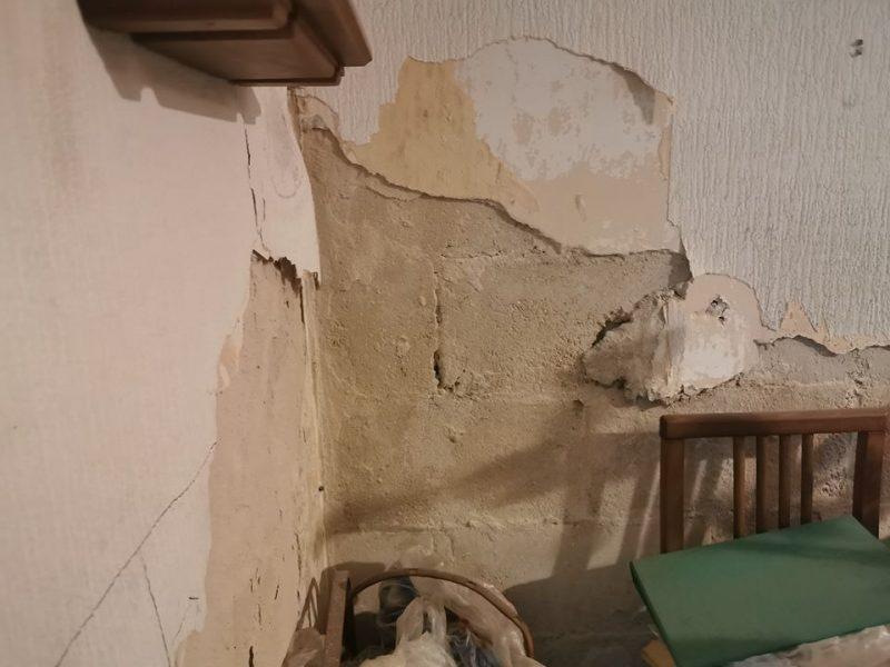 עזרה בדירה של קשיש
