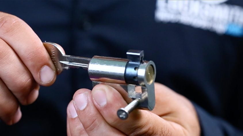 Locksmith- קורס מנעולנות מקוון. צילום: לידור סמדג'ה
