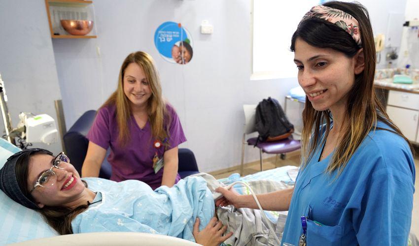 בדיקה חדשנית בחדר הלידה | צילום: גלעד שעבני שופן